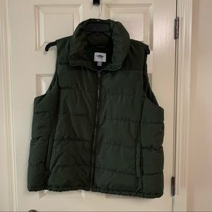 Old navy hunter green puffer vest size XXL